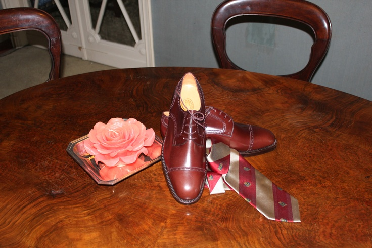 70s Dark Brown lace shoes and Regimental silk tie