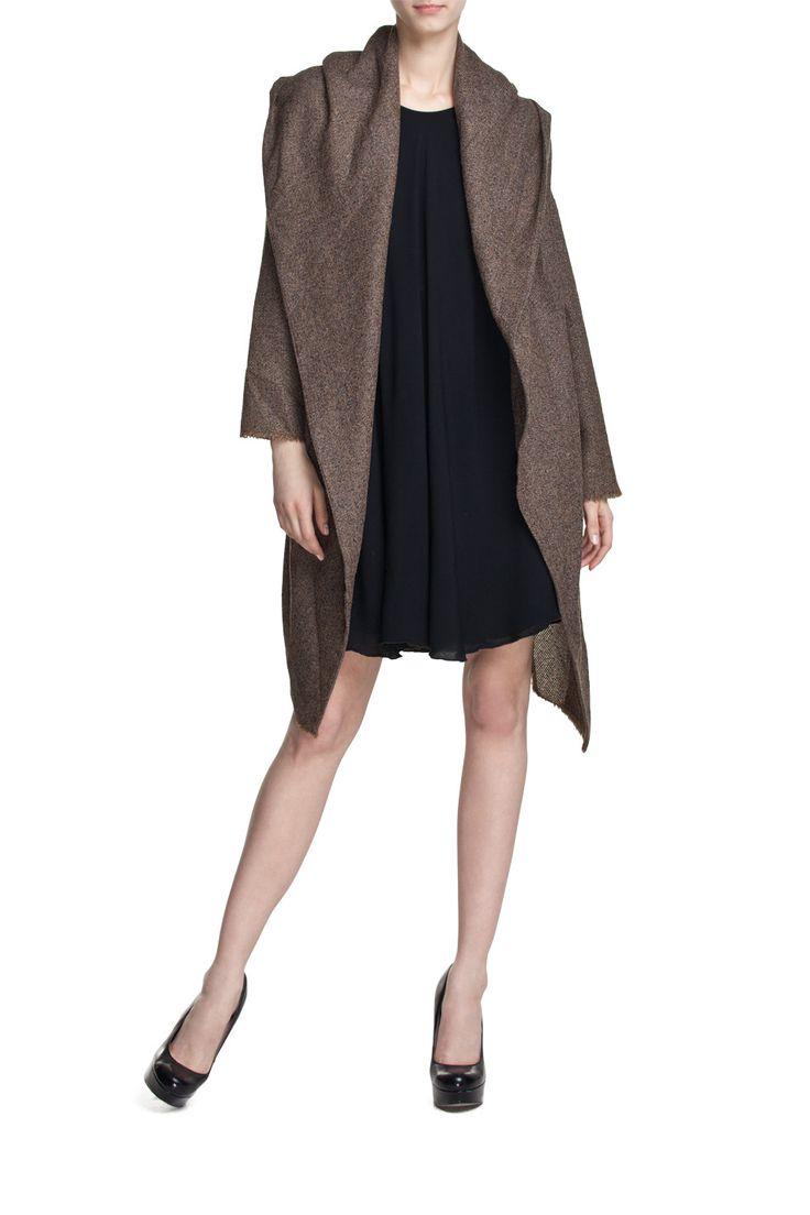 Sweter WOOL COAT brązowy; Projektant: NATASHA PAVLUCHENKO ; Wartość: 760 zł; Poczucie piękna: bezcenne. Powyższy materiał nie stanowi oferty handlowej