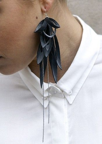 Love it!!! Women's jewelry made from upcycled car bicycle inner tubes, by TouChé.