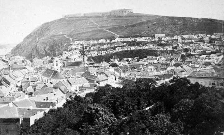 1872 körül. Kilátás a Tabán és a Gellérthegy felé.