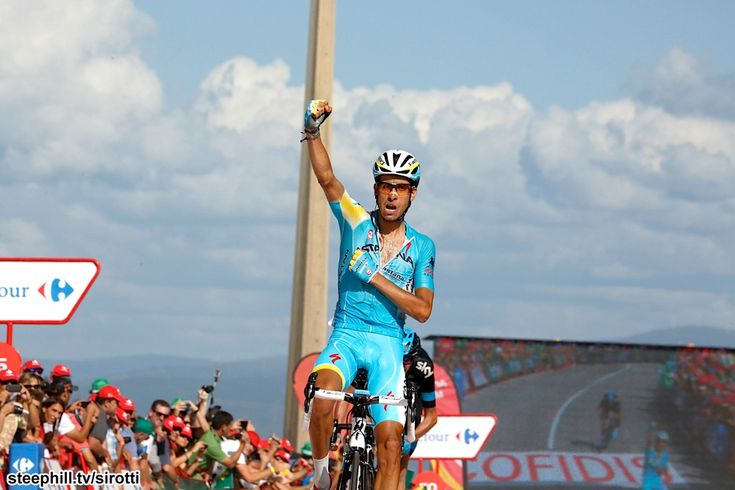 2014 vuelta-a-espana photos stage-18 - Fabio Aru (Astana) wins on Monte Castrove