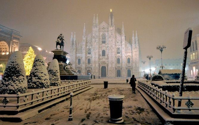 Milan in winter #snowscene Milan, where Wait and See lives ... www.waitandsee.it