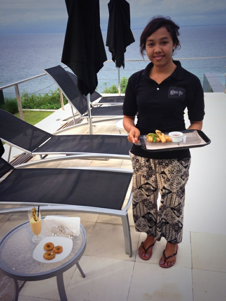Oceanfront service at Suluban Cliff Villa