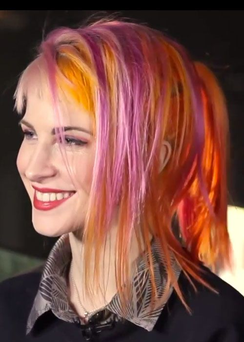 hayley-williams-hair-orange-pink-mock-sidecut-3