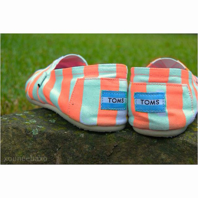 : Colors Combos, Favorite Colors, Coral Toms, Fashion Styles, Coral And Turquoi, Toms Shoes, Blue Toms, Turquoise Toms, Stripes Toms