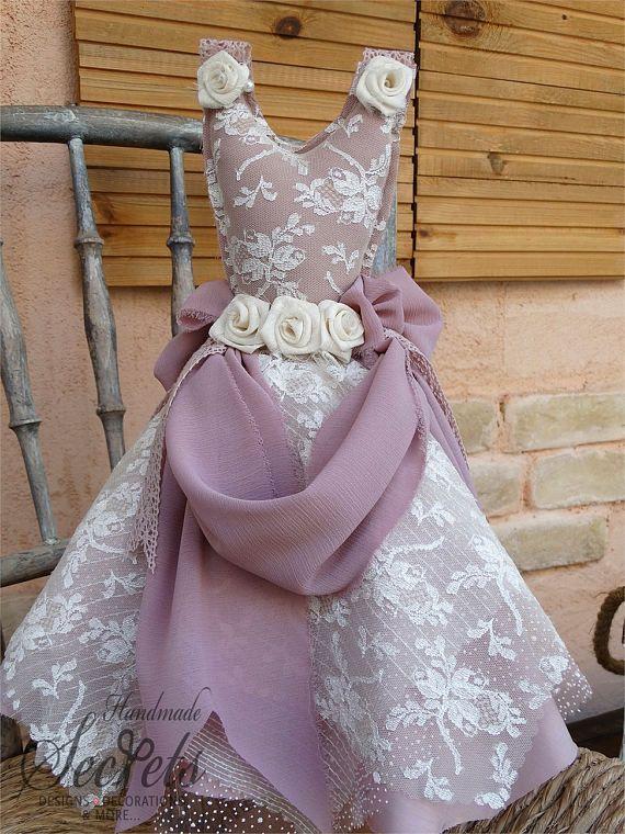 Decorative Dress,Decorative  Dress Statue, Shabby Chic Dress Statue, Home Decor, Vintage Decor, Shabby Chic Decoration, Old Pink Dress