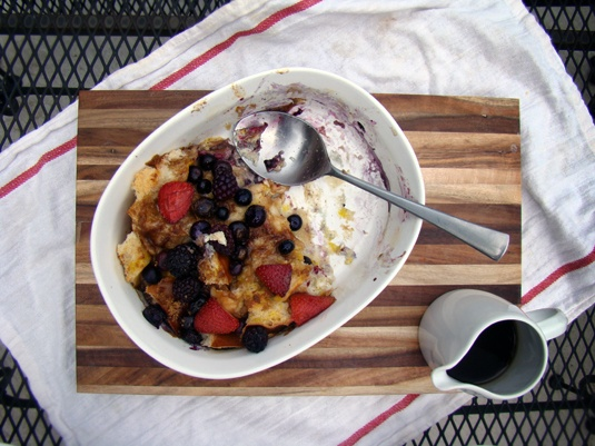 french toast & fresh berries bake: Good Book