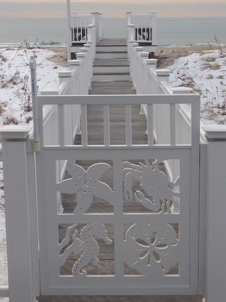 Want to have an eye catching gate for your coastal home? Takes minutes to create for a lifetime of beauty! Our coastal gate boasts a starfish, sand dollar, blue crab and seahorse.  Made from a premium poly wood with a 30 year life. Nautical flair for your home that says Wow! Take a peek here: http://www.islandcreekdesigns.com/