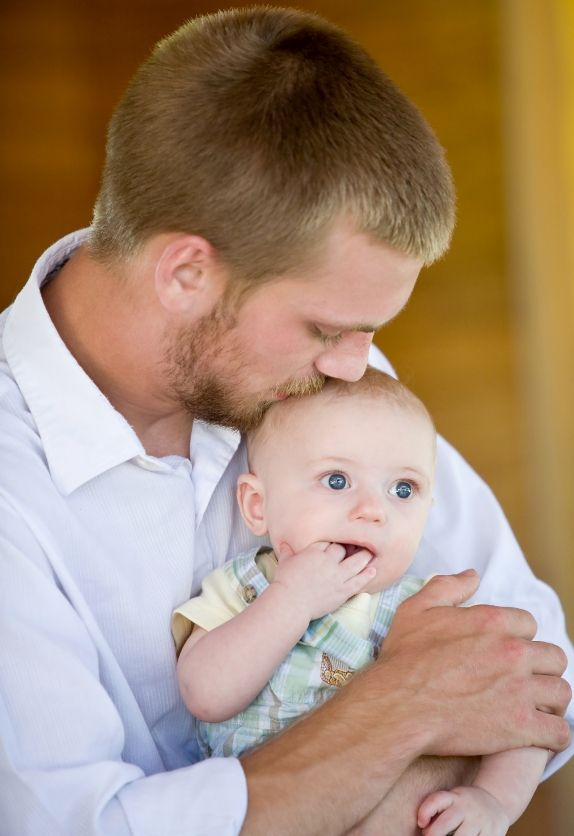 Lansinoh: How to involve Dad in breastfeeding: 12 ways to help Mom and bond  with baby