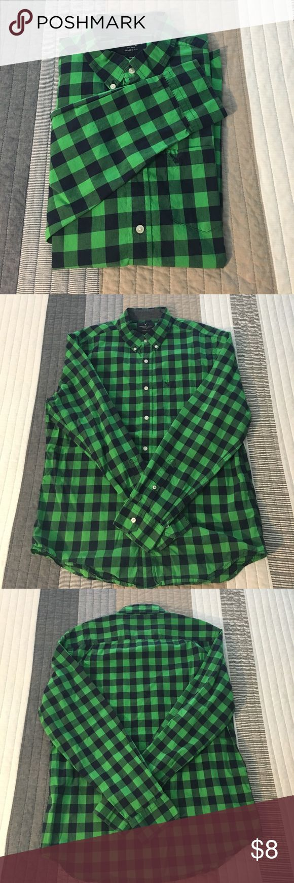 American Eagle green and blue checkered shirt Hardly worn, still in great shape. Feel free to add to a bundle with any other button downs to save money. American Eagle Outfitters Shirts Casual Button Down Shirts