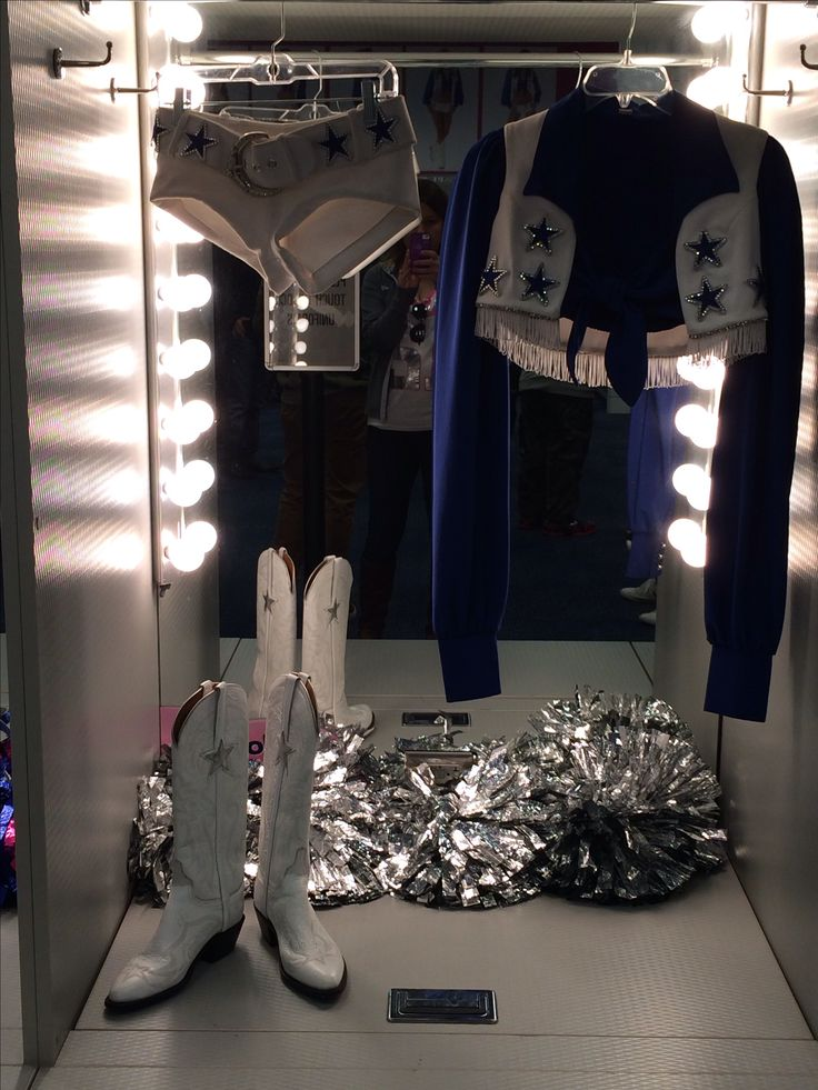 Cheerleaders uniform. Love the dallas cowboys cheerleaders!!!