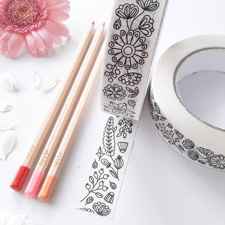 Our friends are getting married today!  I just dropped of a few coloring tape orders and we're on our way up North to Białystok where the ceremony takes place  Exciting!  #weddingday #partyanimal #coloringtape #coloringbook #washitape #washiaddict #planneraddict #coloring #annagrundulsdesign