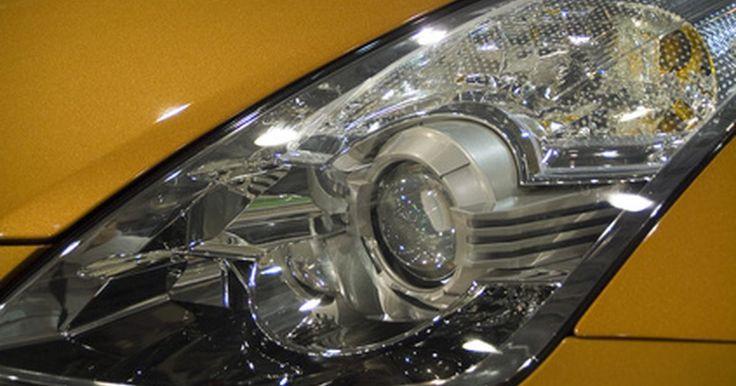 Especificaciones del Nissan Altima GXE 1999. El Nissan Altima 1999 es uno de los modelos del segundo ciclo de producción (1998 a 2001), de tamaño mediano y con tracción delantera. El GXE representa uno de sus modelos: más lujoso que el XE base, pero inferior al deportivo SE y al GLE de lujo de nivel superior.