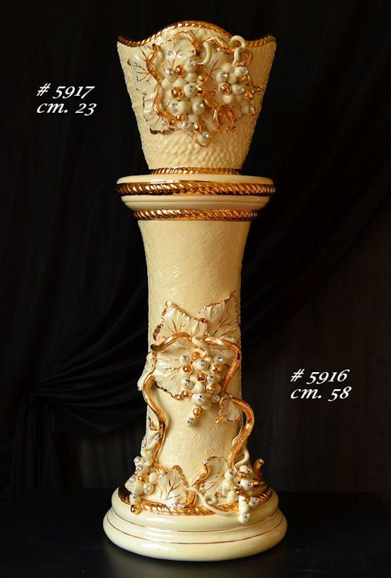 Column and vase set - covered with  #24ktgold  - Classic Interior #musthave
