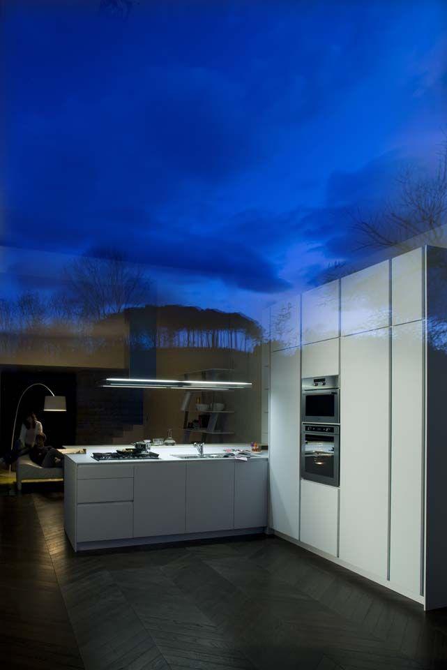 White lacquered #modern #kitchen #snaidero #design #interior #timeless #apartment