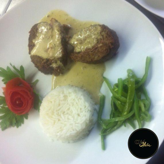 O típico rolo de carne reinventado! Para um magnifico almoço. The typical meatloaf reinvented! For an amazing lunch.