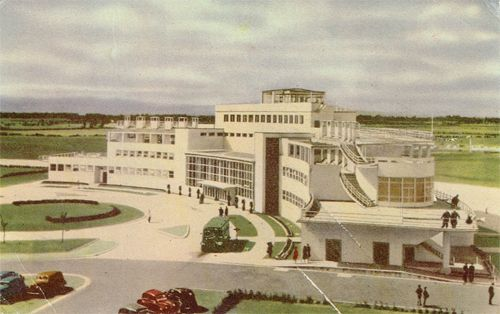Aer Lingus postcard showing the old terminal at Dublin Airport.