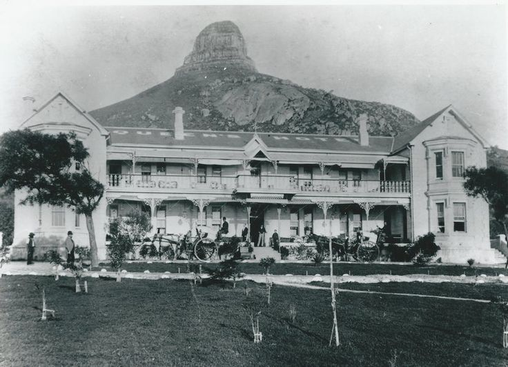 Old Queens Hotel, which later became the President Hotel, in Seapoint/Bantry Bay