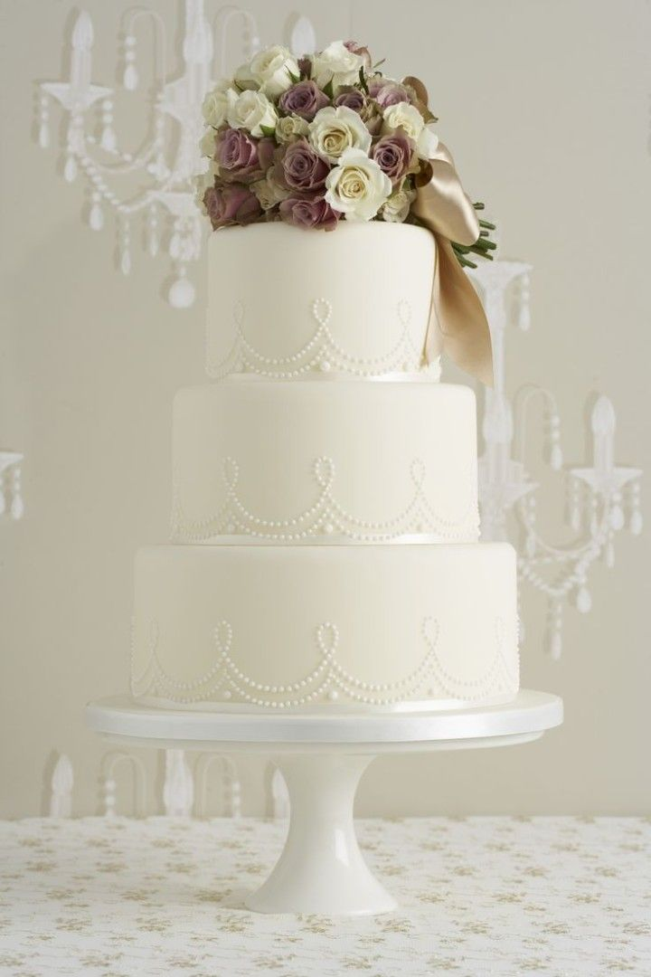 Gobble Up one of These Wedding Cakes - Peggy Porschen cake