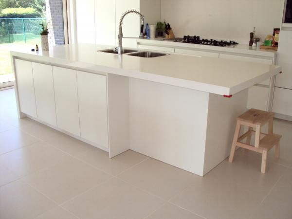 Minimalistische witte keuken - Keukens | Interieur Degroof Lommel