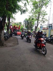 Serikat Buruh Menduduki menduduki kantor Dinas Sosial Tenaga Kerja Kabupaten Sidoarjo