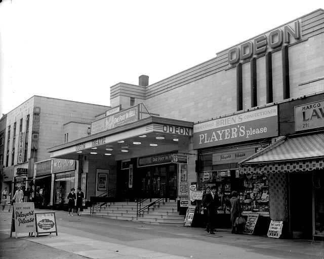 Odeon Cinema - Edgware Road, Colindale - film showing One Foot in Hell, a cowboy with Alan Ladd made in 1960