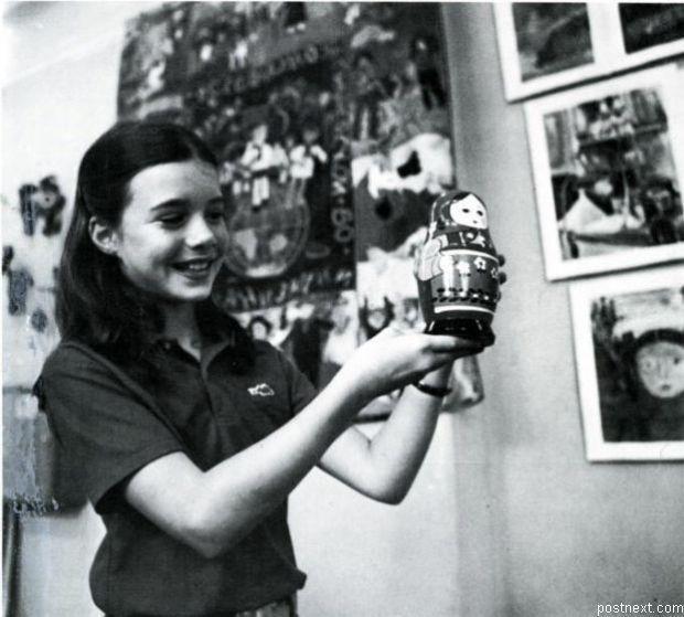 Саманта Смит -Американская девочка  посетившая СССР по приглашению Генерального секретаря ЦК КПСС Юрия Андропова, после того как написала ему письмо.
