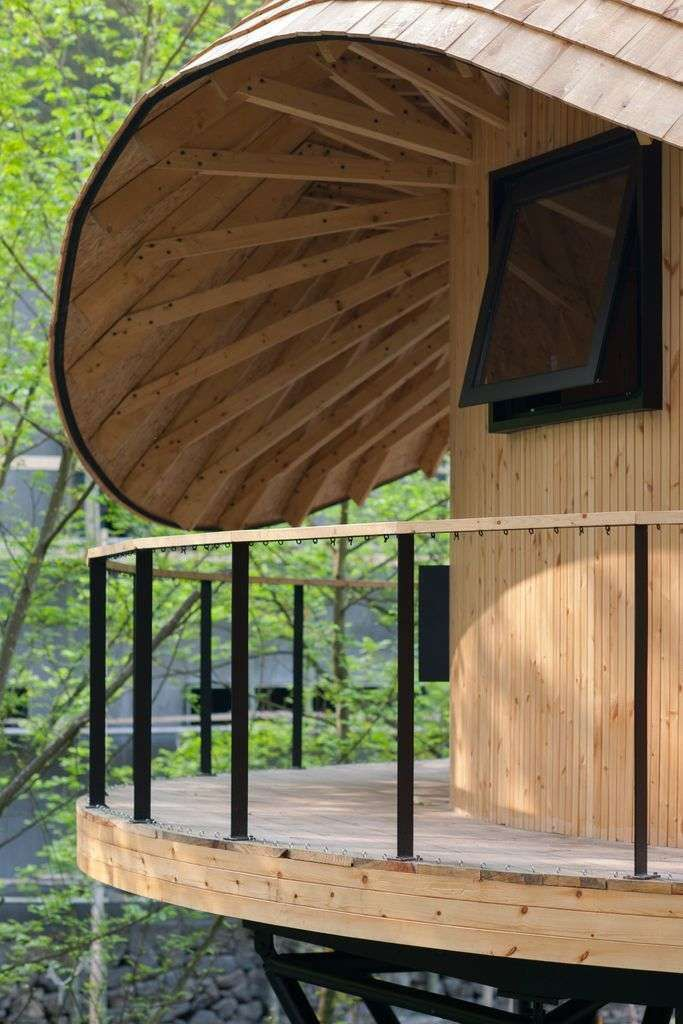 About Design World Treehouse With Curved Round Roof From Monoarchi Circular Buildings Tree House Roof Design