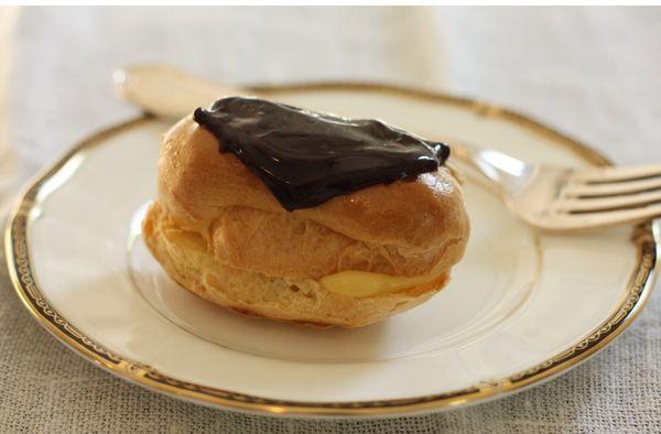 Homemade Chocolate Eclairs Recipe (Betty Crocker cookbook version)