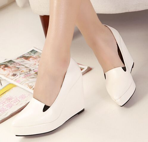 Kode : AWF-306, Nama : Pointed White Wedges Shoes Leather, Price : IDR 175