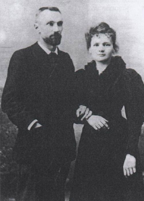 Мария Кюри http://mayasakura.ru/zhenshhinyi-legendyi/mariya-kyurihttp://mayasakura.ru/zhenshhinyi-legendyi/mariya-kyuri