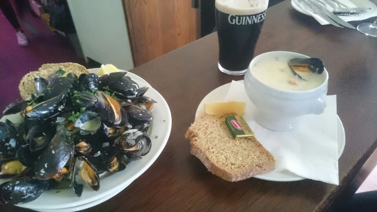 8/10 - €6.5: Really great seafood chowder, lots of fishes, mussels, and even a crab claw! Great value for the price, a bit too small, and a chowder which could taste a bit more fishy. Beautiful view on Skerries little port!