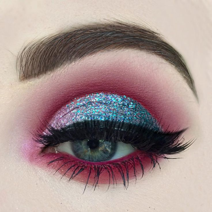 """"""" Products @sugarpill #loveplus @makeupgeekcosmetics #bitten @litcosmetics #angeleyes faded into #Cayman glitter! For 20% off use my code…"""""""