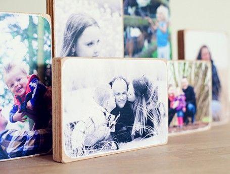 Foto's op hout | Zook.nl stoere houten blokken met eigen foto of tekst erop van WOODEN PHOTOBLOCKS #fotoophout