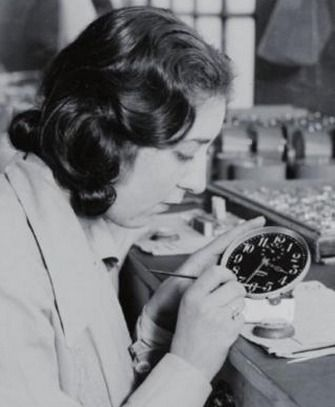 Meet The Radium Girls And A Generation Of Radioactivity. 80 Years Later, They Are Still Toxic [STORY]