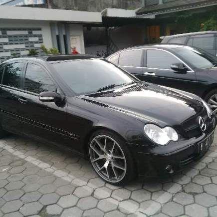 Sewa Mobil MerecedesMercy C230 Sport Paket Harian di Jogja. Sewa Mobil Mercedes type Mercy C230 Sport Edition, kami sediakan bagi anda yang membutuhkan mobil sport keluaran dari Mercedes untuk kep…