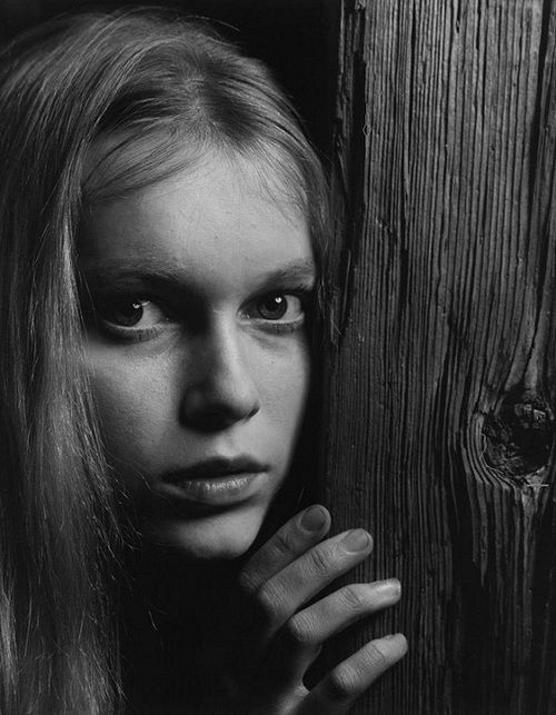 Mia Farrow, 1964. Photo by Philippe HalsmanPhotos, Phillip Halsman, Halsman 1964, Beautiful Women, Farrow Photographers, Philippe Halsman, Mia Farrow, Big Career, Photography