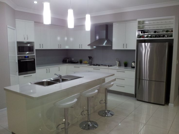 Laminex Cupboards In White Silk Finish, Laminex Diamondgloss Benchtop In An  8x8 Radius In Antarctic