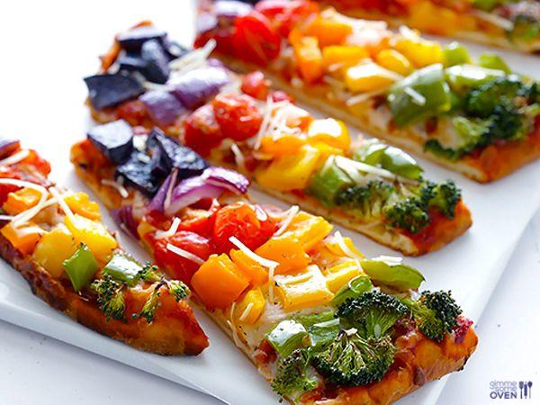 Gesunde Regenbogen-Pizza | eatsmarter.de