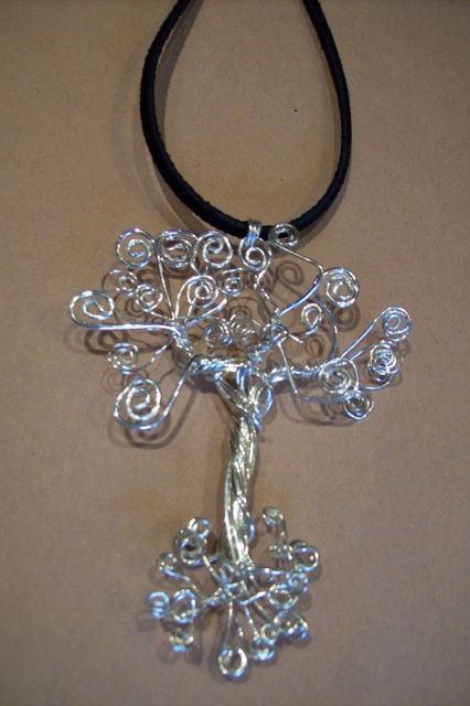 Tree of life pendant has no frame around it .***picture only no link***