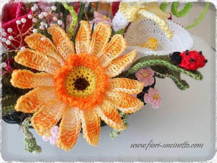 Scopri come realizzare bellissimi Fiori all'Uncinetto, oppure acquistali online!