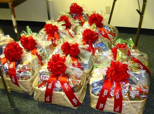 Corporate Gifts Ideas     CORPORATE GIFT BASKETS    Like, share corporate gifts