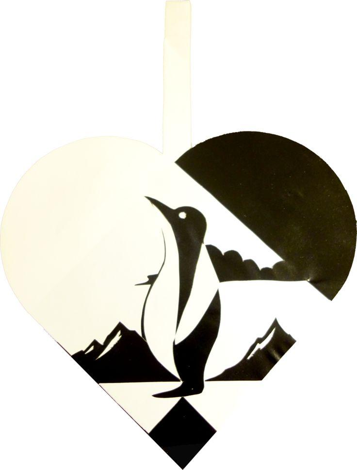 Who doesn't love penguins: They look so philosophical! #julehjerte #skabelon #juleflet #julehygge #hjemmelavet #christmas #home-made #craft #ornament