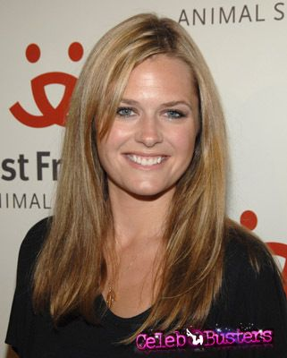 Maggie-Lawson-pictures-18482-0.jpg (321×400)