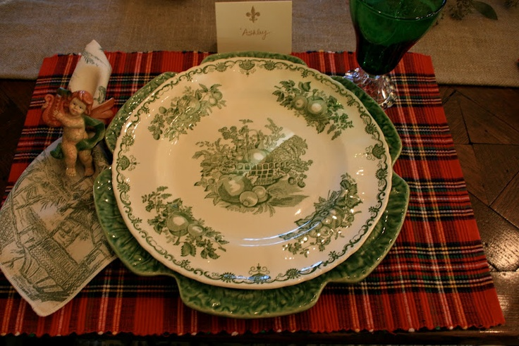 Love it all (except for the napkin ring!): Napkins Rings, Tartan Plaid, 2009 Tablescapes, Christmas Eve, Christmas Mornings, Breakfast Tablescapes, Eve Mornings, Vignettes Design, Christmas Tablescapes