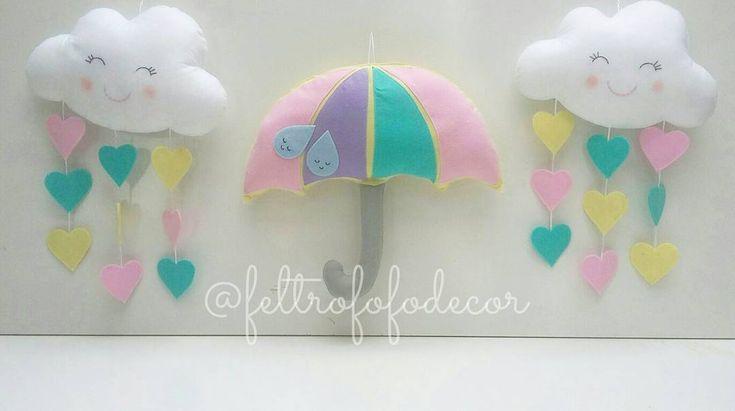 Peças lindas para uma decoração única!  Possuem 40cm, e podem ser desenvolvidas em diversos tamanhos! Fofura em gente? ❤💙💚💛💜 #chuvadeamor #festachuvadeamor #chuvadeamorfesta #chuvadeamorparty #chuvadebencaos #chuvadebencaosfesta #centrodemesa #festanuvens #nuvensdeamor #chuvadecorações #chuvadefeltro #nuvemfeltro #nuvemfofa #feltcloud #feltrain #feltrainbow #umbrellaparty #feltumbrella #guardachuvafeltro