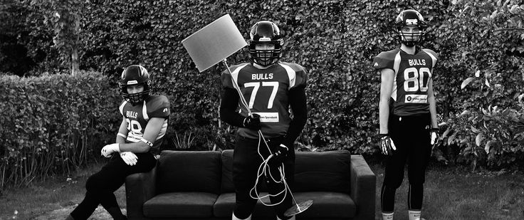 In connection with a major initiative by Aftenbladet TV concerning Lura Bulls, Sandnes Sparebank threw us a ball. This bank is the principal sponsor for Lura Bulls, one of the best American football teams in Norway.