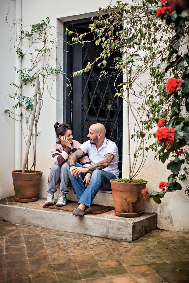 Um recanto acolhedor dos donos do MANI, restaurante em São Paulo, o 46º melhor do mundo pela revista inglesa Restaurant.  Casa com cores alegres e muito aconchegante.