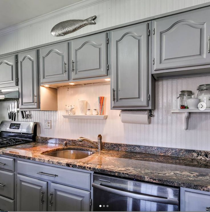 Kitchen cabinets painted with Chalk Paint by Annie Sloan ...