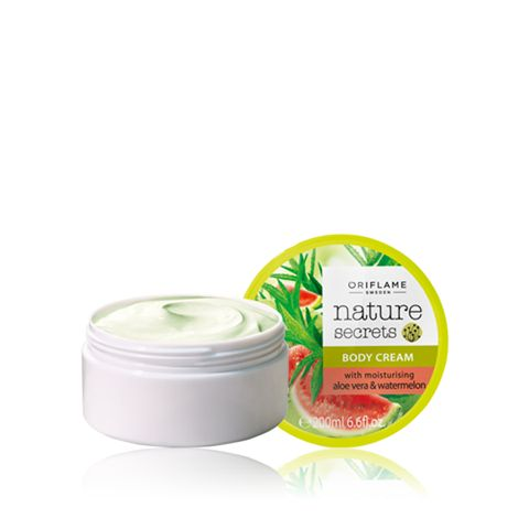 Enrich your skin with the goodness of hydrating Aloe Vera, Watermelon Seed Oil and Glycerin. The body cream leaves a soft and supple feel, while moisturizing skin from deep within.